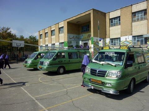 افزایش ۲۵ درصدی نرخ کرایه سرویس مدارس اصفهان تصویب شد/ معافیت رانندگان تاکسی، سرویس مدارس و آژانس ها از پرداخت هزینه کارت شهری