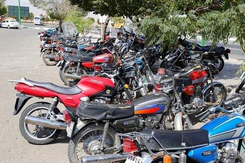 شرایط ویژه ترخيص موتورسيکلت هاي توقیفی/ محاسبه هزینه پارکینگ برابر با نرخ سال ۱۳۹۴