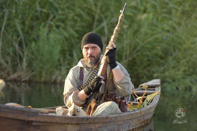 کامبیز دیرباز در نقش شهید زرین + عکس