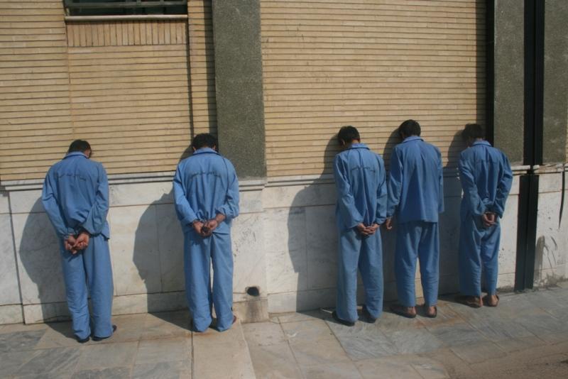 سارقان گوشی تلفن همراه به ۳۵ فقره سرقت در اصفهان اعتراف کردند