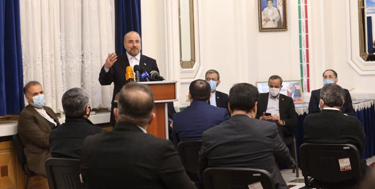 نقصها و نارساییها مربوط به مدیریتهاست و ربطی به انقلاب اسلامی ندارد