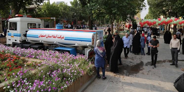 آبرسانی سیار در برخی نقاط شهر اصفهان