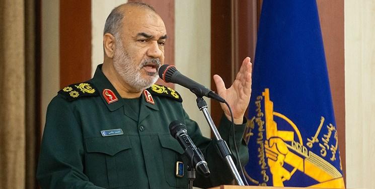 سلاحهای آتشبار دشمن در اطراف کشور آرایش گرفتهاند امّا امنیت بر ایران حاکم است